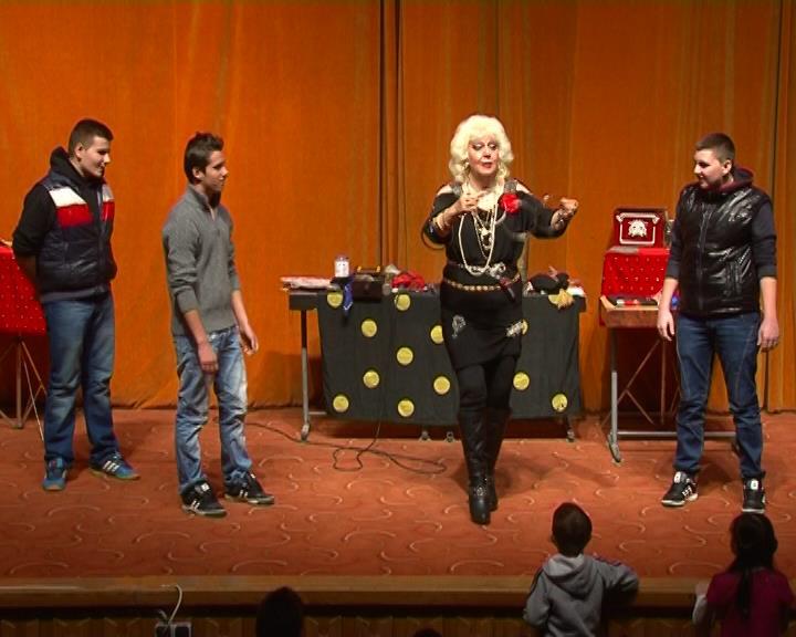 Spectacol magie pentru copii